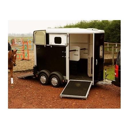 Remolque para caballos HB506